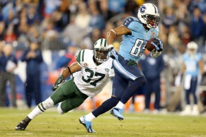 #85 Nate Washington eludes a Jets defender and could make a nice catch for some fantasy owners this week. Photo:
