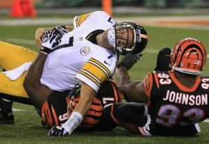 #7 Ben Roethlisberger getting sacked earlier in the season, one of 31 this season, will face a Bills defense that got to seldom-sacked Alex Smithtwice last week. Photo: Tom Uhlman/AP